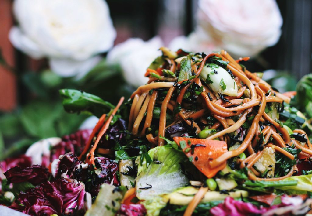 healthy vegetable noodle salad